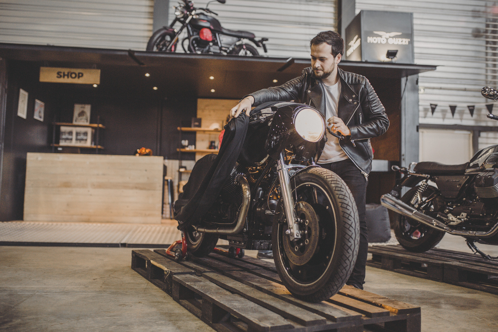 Moto Guzzi V7 Iii Limited Unveiled At Wheels And Waves Automotive